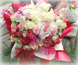 Bouquet rose bianche e rose rosa