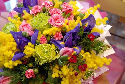 Bouquet Armonie di contrasti con mimosa (€25/120)