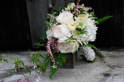 Bouquet da Sposa dai fiori chiari