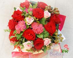 Bouquet rose rosse e more