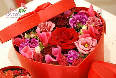 LoveBox con fiori recisi (€38/85)