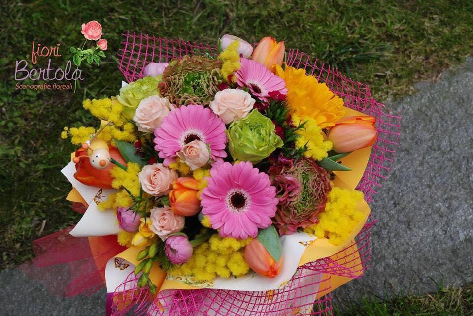 bouquet fiori e mimosa