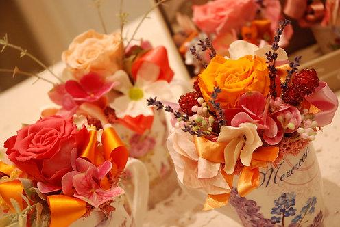 Tazze con rose stabilizzate (€35/40)