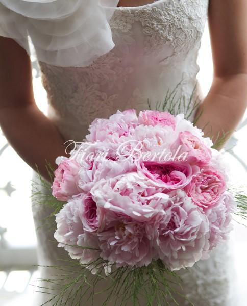 Bouquet da Sposa con peonie rosa