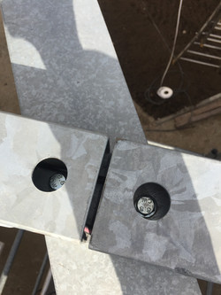 assemblage boulonné charpente métallique préau