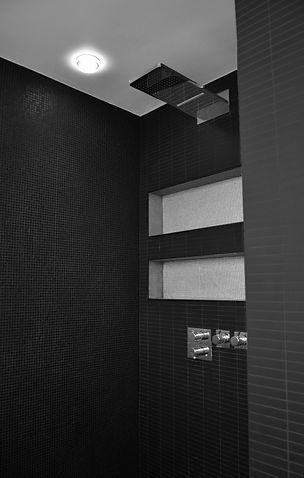 salle de bain, douche encastrée, niche de salle de bain, carrelage mutina, salle de bain noire