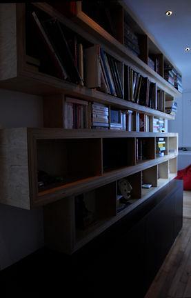 conception mobilier sur mesure, bibliothèque médium noir et contreplaqué bouleau, rénovation appartement luxe 150m2 paris 16, architecte paris, architecte designer paris, architecte d'interieur paris 16, TNT Architecture, high end architect paris, architect paris, flat renewal paris