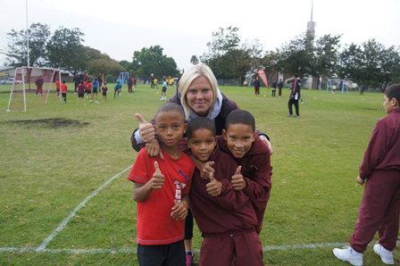 Fútbol con niños0002.JPG