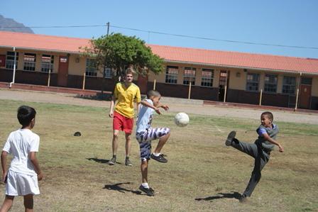 Fútbol con niños0013.JPG