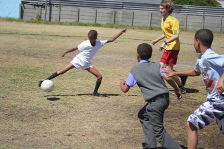 Fútbol con niños0015.JPG