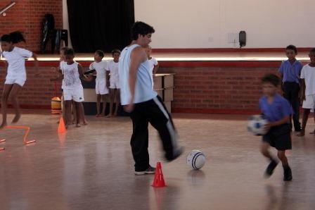Fútbol con niños0024.JPG