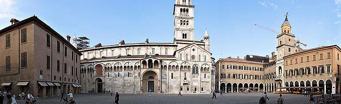 Modena_Piazza_Grande.jpg