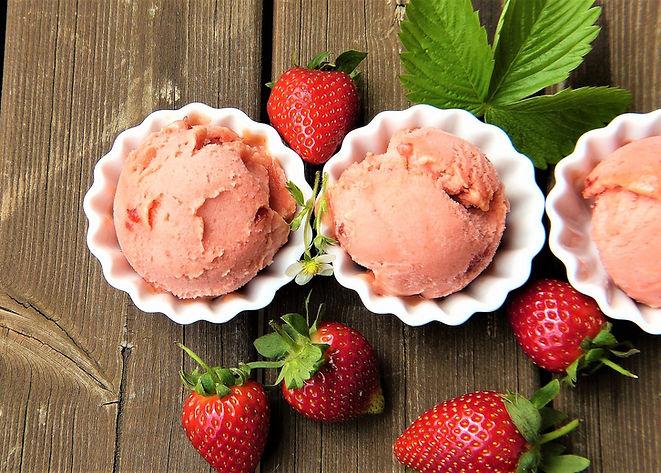 strawberry-ice-cream-2239377_1920.jpg
