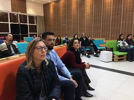 Workshop reúne pais e especialistas na AV