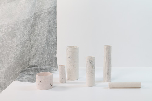 View from nowhere, porcelain, silk and metal granules, 2019.