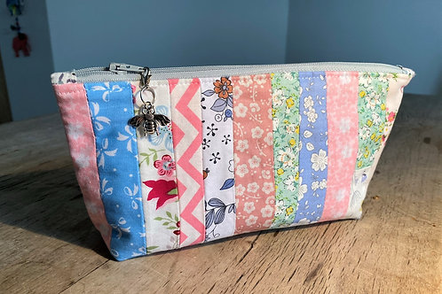 Off-cut Patchwork Zipped Pouch ( pinks)