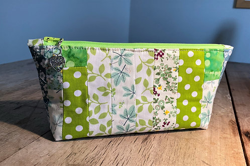 Off-cut Patchwork Zipped Pouch ( greens)