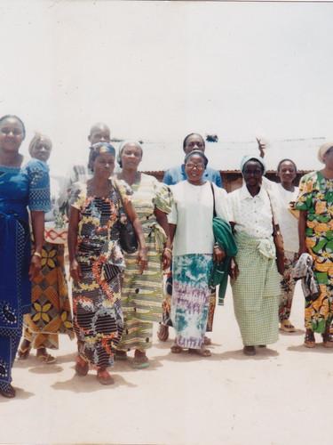 Équipe de réflexion du Lycée lors de l'ouverture du CEREM [Centre de récupération et métiers pour femmes refoulées].