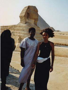2 Devant le Sphinx.jpg
