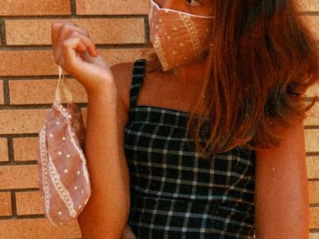Desde Viladecans nuestra joven clienta con conjunto Rayas Rosa Palo de TUSMASK