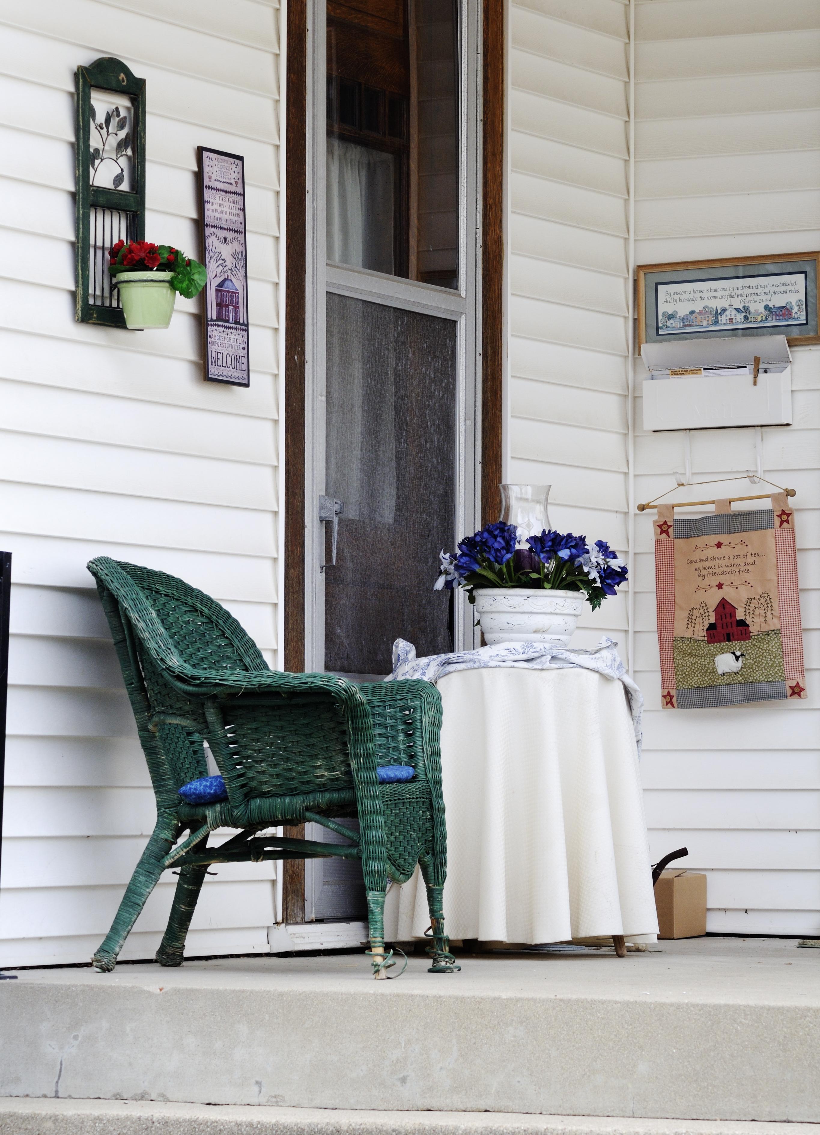 Porch 16