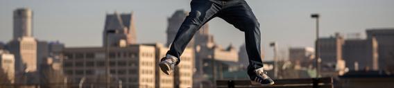 Action shot of Dan Mancina skateboarding