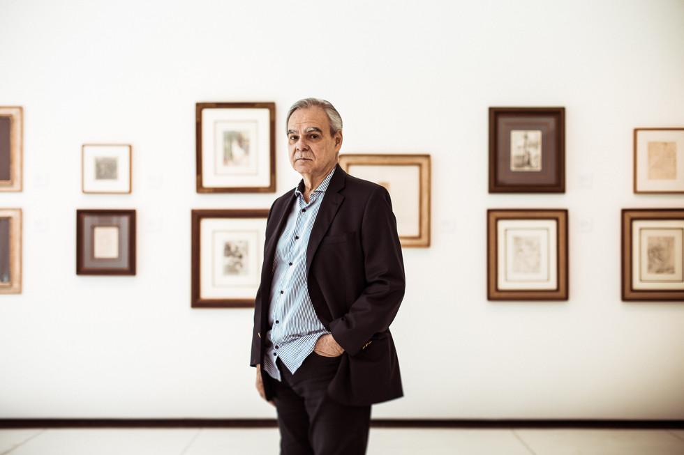 Max Perlingeiro, galerista de arte, para revista Galeria