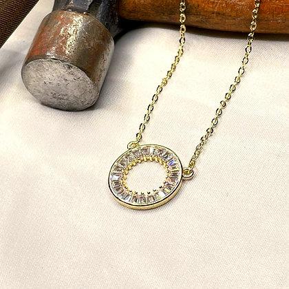 שרשרת מעגל חיים בציפוי זהב משובצת אבני בגאט