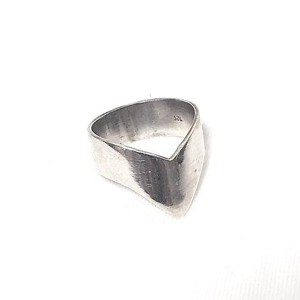 טבעת וי עבה כסף