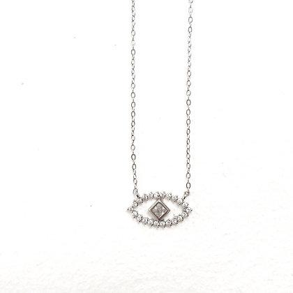 שרשרת עין משובצת עם אבן מרובעת מרכזית