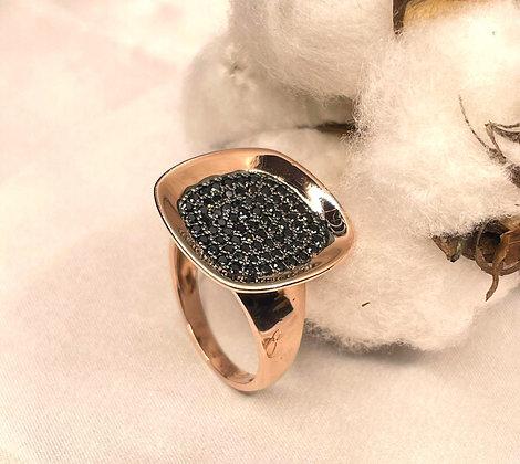 טבעת כסף-רוז עםפלטה משובצת זירקונייה שחורה