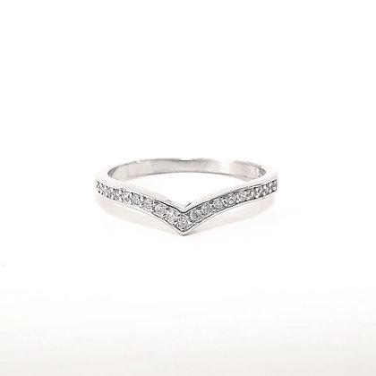 טבעת וי כסף משובץ
