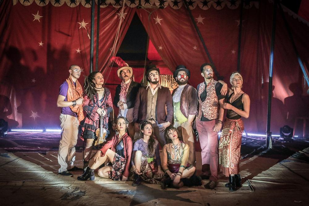 O Teatro Mágico se apresenta na Ópera de Arame
