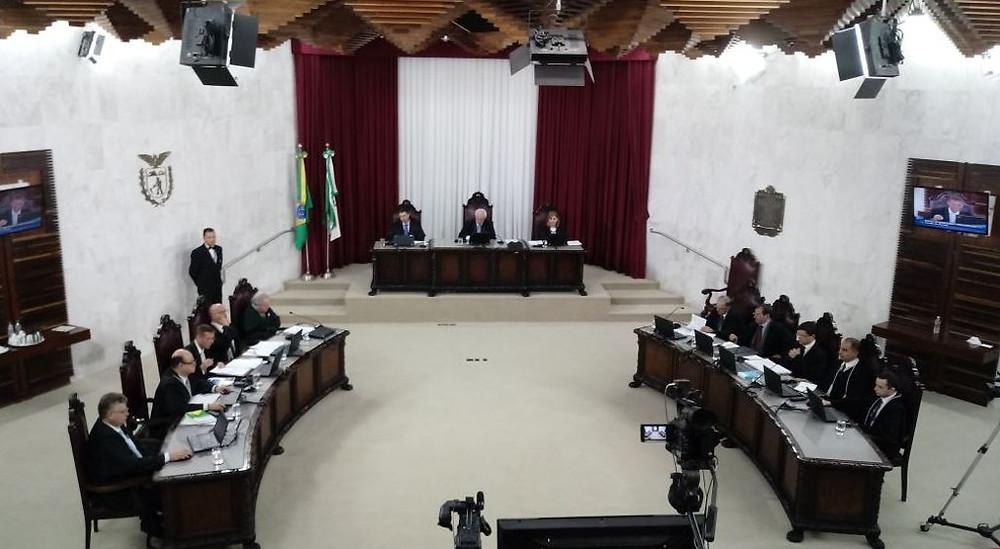 Tribunal de Contas divulga lista de 1.083 políticos inelegíveis