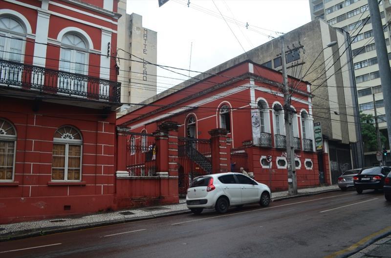 Foto 13 - Parte da fachada do Solar do Barão, mostrando a Gibiteca (Casa da Baronesa) e parte do solar da família Pereira Correia (Museu da Gravura). Foto: Divulgação