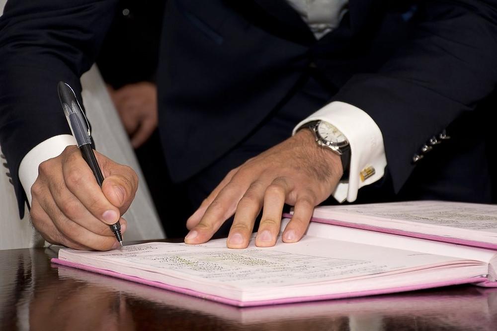 Decreto garante a revalidação de diplomas obtidos no exterior