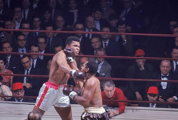 Muhammad Ali lutou com Zora Folley em 22/03/1967, mas depois ficou fora dos ringues até 1970, escreve Matt Christie, editor da Boxing News.