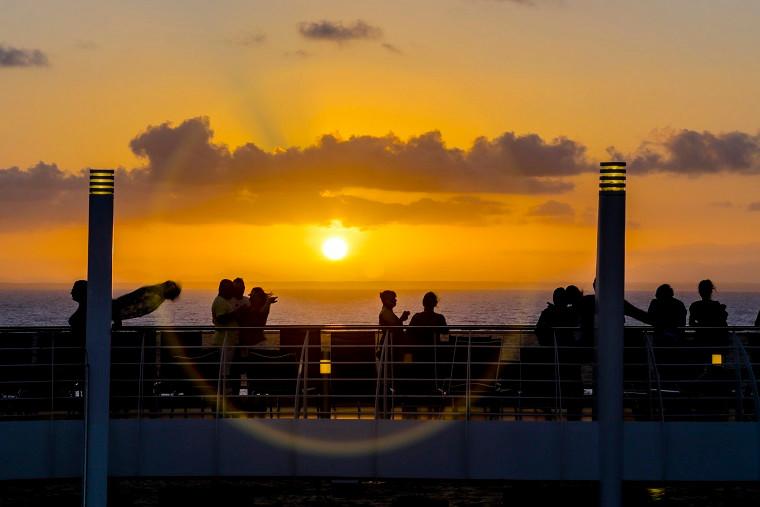 Mudança para horário de verão pede atenção a voos e outros serviços de turismo