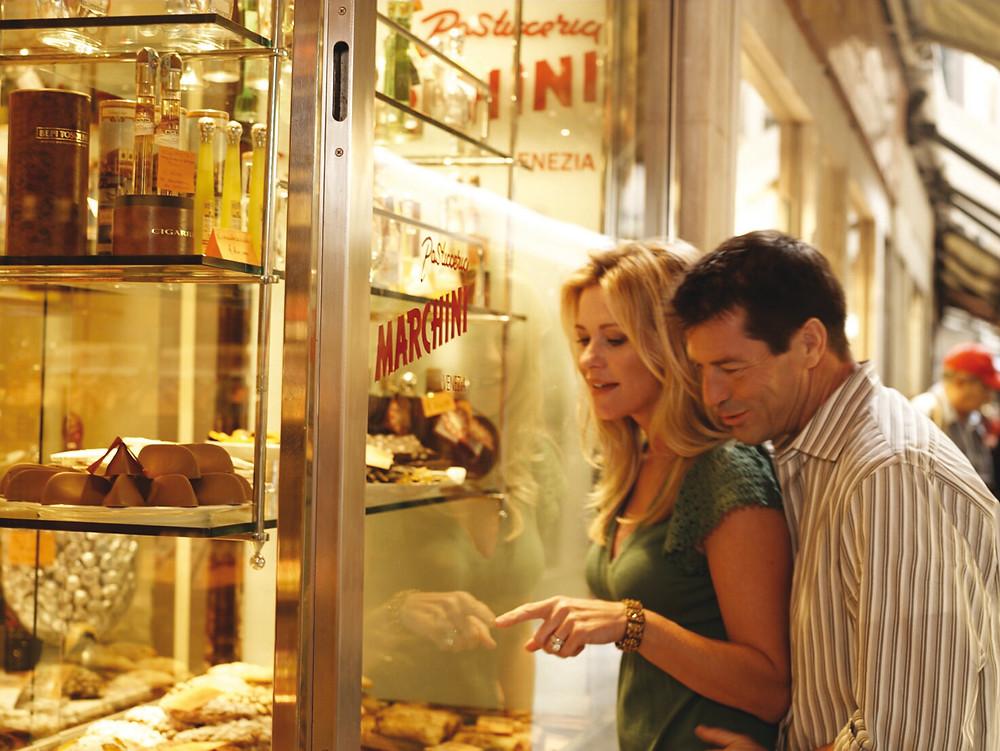 Costa Cruzeiros oferece shopping a bordo e a ferramenta My Costa para o hóspede personalizar sua viagem