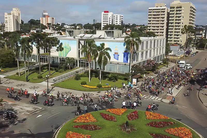 Domingo tem Pedala Curitiba especial com saída do Centro Cívico