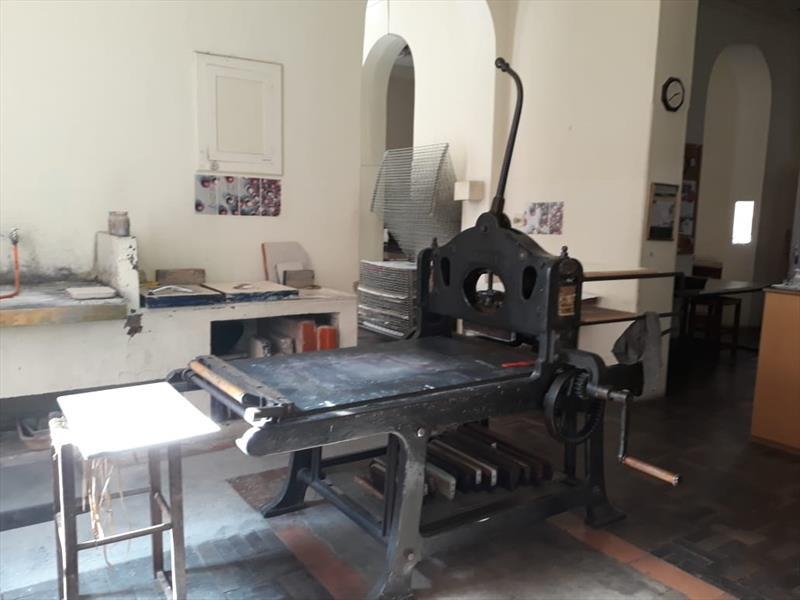 Ateliê de litogravura equipado