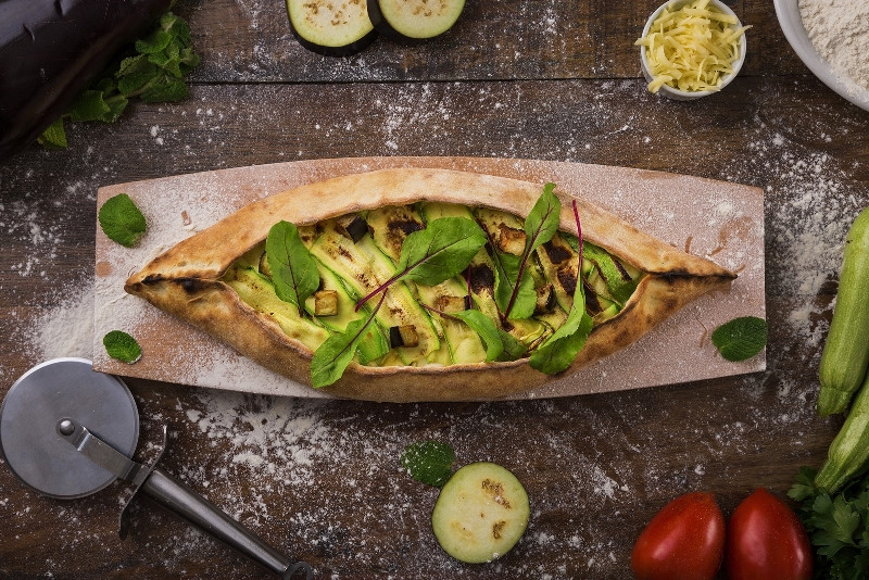 Pizza libanesa no Restaurante Velho Oriente