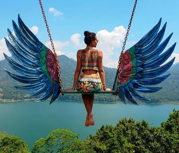 Blogueira Lívia Lopes registra paraísos pelo mundo, como Maldivas e Indonésia