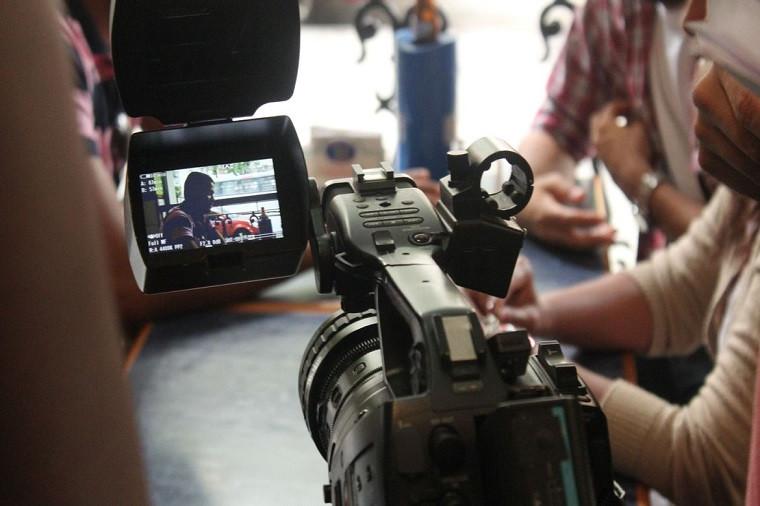 Concurso vai premiar 45 histórias de filmes e séries. Crédito: divulgacao/Projeto Cinemaneiro