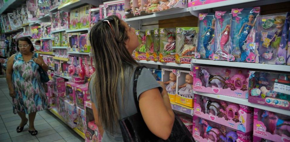 Comércio aumenta previsão de vendas e contratações no Natal