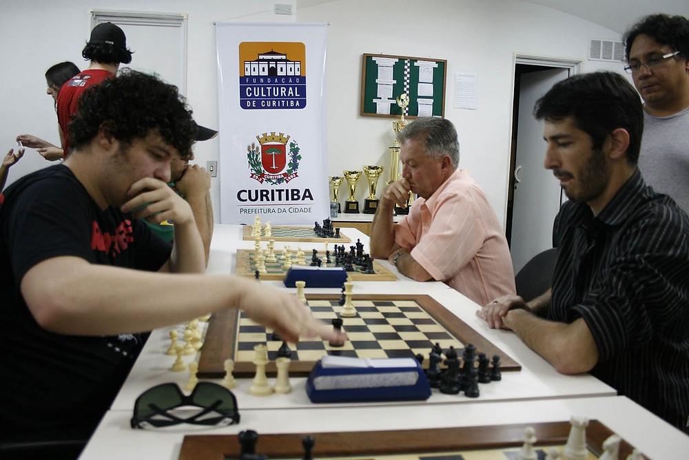 Clube de Xadrez Erbo Stenzel ficará fechado às segundas-feiras