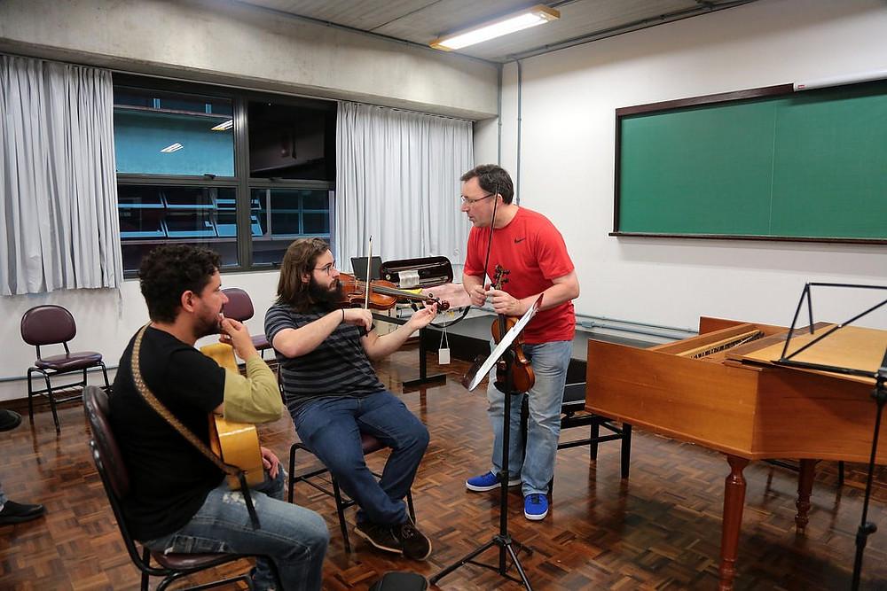 Inscrições para os cursos da Oficina de Música de Curitiba terminam na sexta-feira