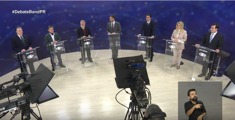 Candidatos revelam estratégia de campanha durante debate