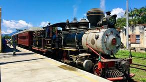 Trem turístico centenário volta a ligar cidades históricas no litoral paranaense