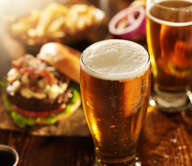 Hambúrguer e cerveja: como tornar a harmonização ideal